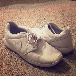 Nike Roshe One White, size 7